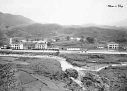 La gare de Dong Dang, dernière station de chemin de fer avant la frontière sino-annamite.