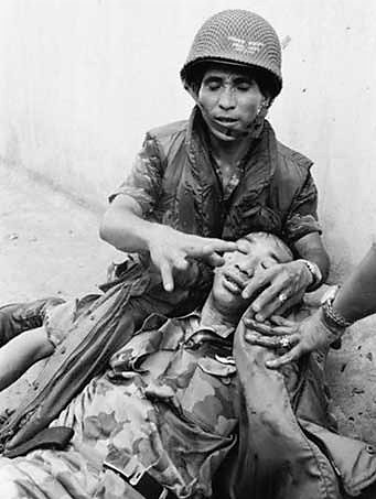 93 12 General Nguyen Ngoc Loan had both his legs seriously wounded in a battle with VC on Phan Thanh Gian bridge during May 1968 offensive which started on Mạy 5, 1968