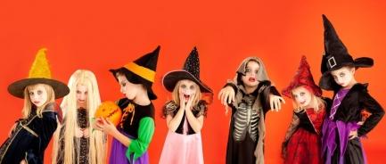 halloween-costumes_111759224_1500px