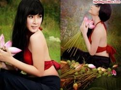 thai_nha_van_nguoi_mac_ao_yem_chup_voi_hoa_sen_dep_nhat_showbiz_viet20130320145530