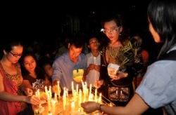 Thắp nến cầu nguyện cho Công Lý và Hòa Bình ở nhà thờ Kỳ Đồng, SG năm 2011