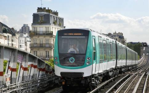 nguyenbinhvtv-145915035959-paris-metro